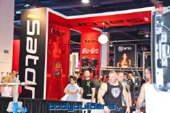 iSatori booth at the 2014 Olympia weekend expo
