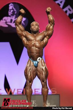 Olympia 2010 202 Class Winner Kevin English